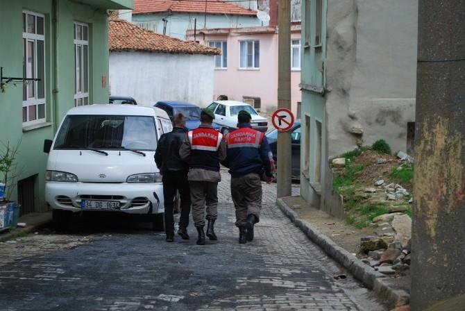 (Özel Haber) Evden 25 Bin Euro Çalan 17 Yaşındaki Zanlı Tutuklandı