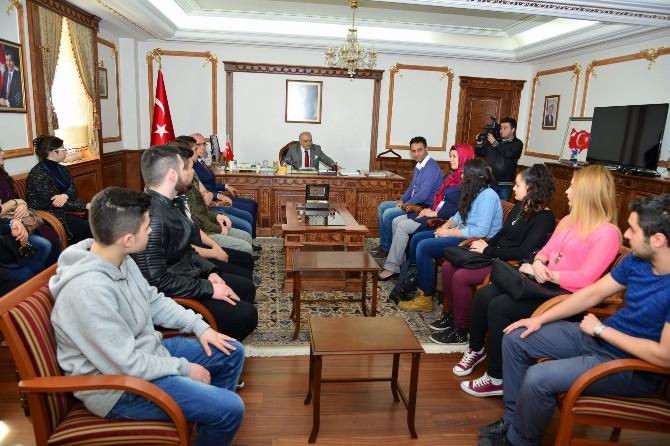 Gönül Köprüsü Projesi Kapsamında Yurt Dışında Yaşayan Türk Çocuklar Vali Şentürk'ü Ziyaret Etti