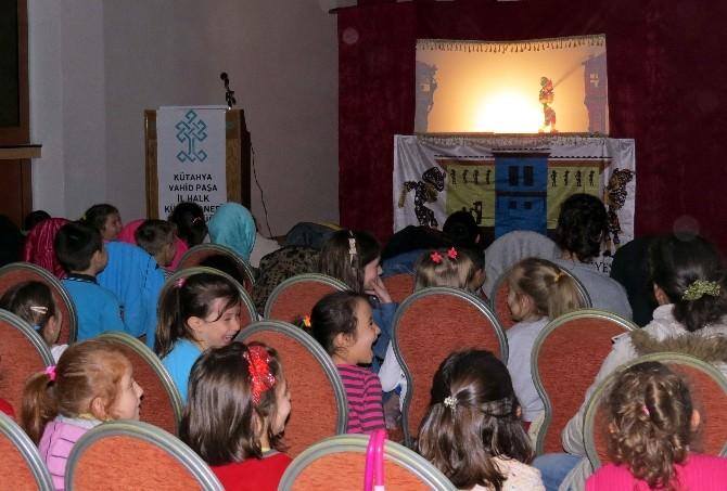 Kütahya'da 'Karagöz Gölge Oyunu' İlgi Gördü