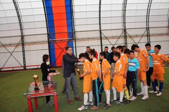 Bulanık'ta Ortaokullar Arası Futbol Turnuvası
