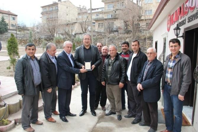 Düzgün'den Belediye Başkanı Ünver'e Teşekkür Plaketi
