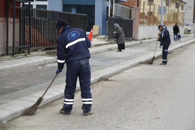 Odunpazarı Belediyesi Ekiplerinden Emek Ve Ertaş Mahallelerinde Temizlik Çalışması