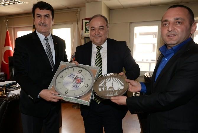 Başkan Dündar, Türk Metal Sendikası'nı Ziyaret Etti