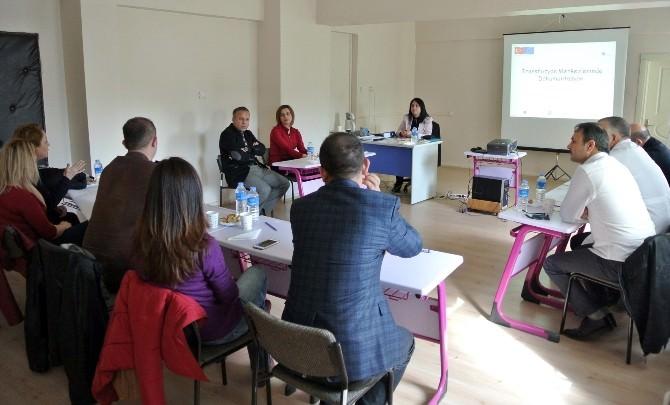 Kırıkkale'de Sağlık Çalışanlarına Eğitim Semineri