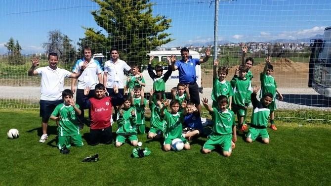 Urla Gençlik Spor U-11 Takımı Antalya Turnuvasında Şampiyon Oldu
