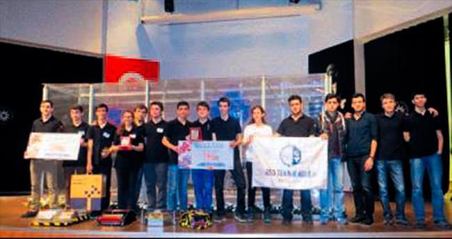 ASO Teknik Koleji'ne robot özel ödülü