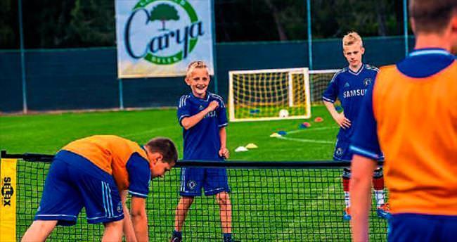 Chelsea, Antalya'da futbol okulu açtı