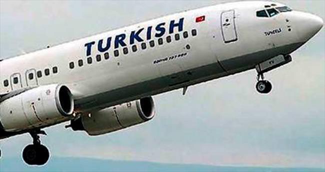 Şüpheli cisim uçağı döndürdü