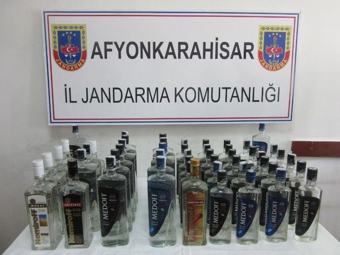 Afyonkarahisar'da Jandarma 50 Şişe Kaçak İçki Ele Geçirdi
