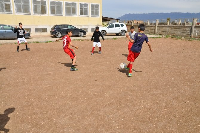 Silopi Selahattin Eyyübi Okulu Bölge Finallerinde