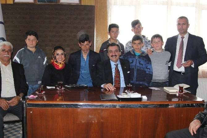 Cihanbeyli Belediyesi Hizmeti Halkın Ayağına Götürüyor