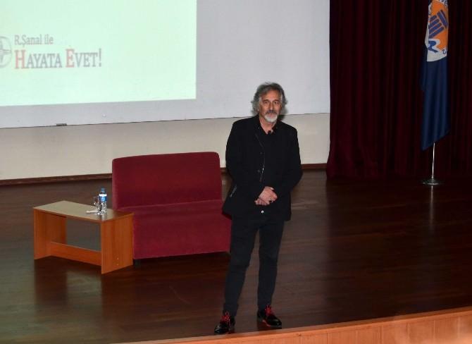 Mersin'de 'Kuantum Düşüncede Liderlik' Anlatıldı