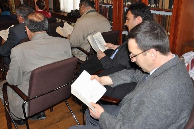 Tarihi Kütüphanede Kitap Okuma Etkinliği Düzenlendi
