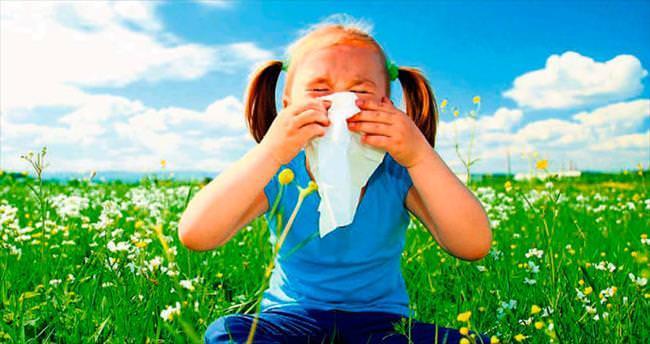 Çocuklarda alerjik nezle şikayetleri baharda artıyor
