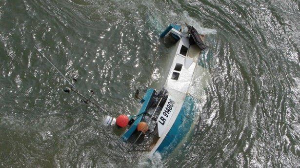 Filipinler'de yolcu teknesi battı: 5 ölü