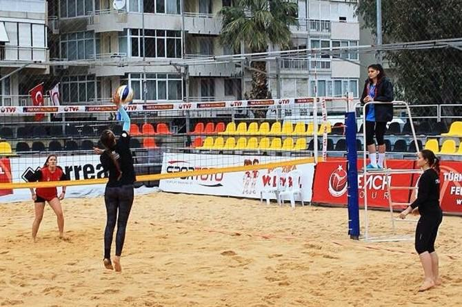 Foça Belediyespor, Plaj Voleybolu Turnuvası'na Katılacak