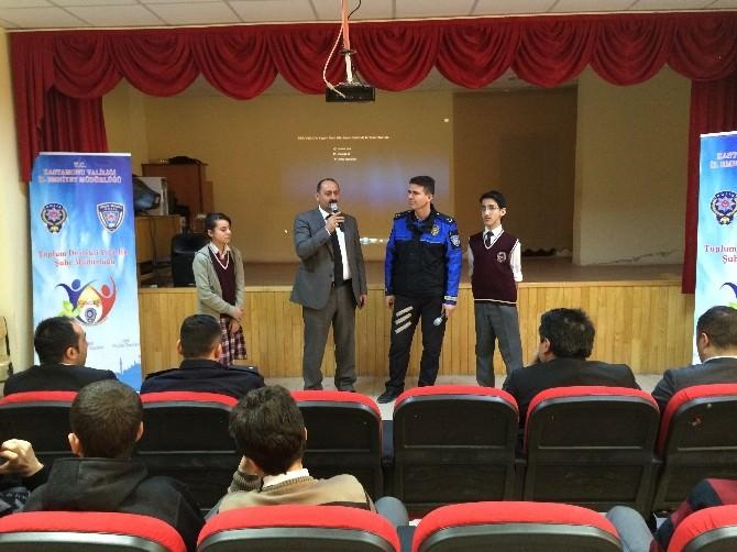 Küre Çpal'de '' Zararlı Alışkanlıklara Hayır, Hayata Evet '' Konulu Konferans Düzenlendi
