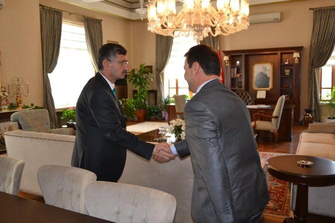 Manisa Baro Başkanı Ali Arslan Vali Bektaş'ı Ziyaret Etti