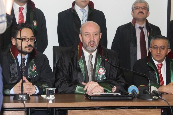 5 Nisan Avukatlar Günü Dolayısıyla Atarük Anıtı'na Çelenk Bırakıldı