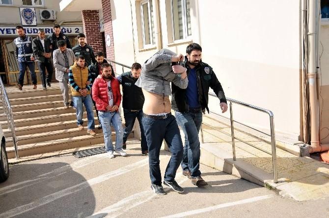 Bursa'da Uyuşturucu Şebekesi Çökertildi