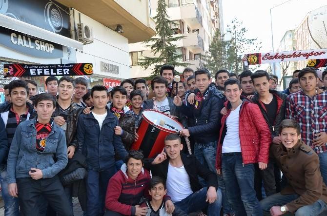 Eskişehirspor Taraftarı Maçın Havasına Girdi