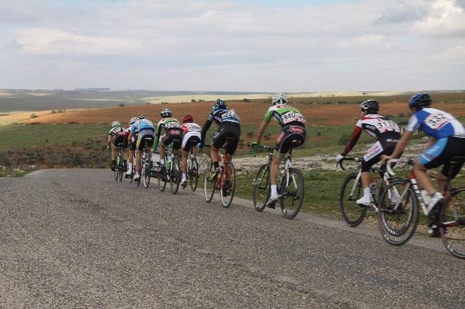120 Bisikletçi Şahinbey Kupası İçin Pedal Çevirdi