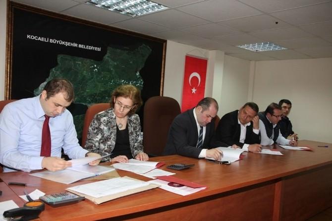 Büyükşehir 12 Km Yeni Oto Korkuluk Yapacak
