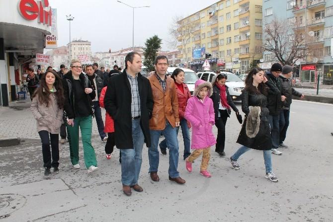 10 Nisan Polis Haftası Nedeniyle Yürüyüş Düzenlendi