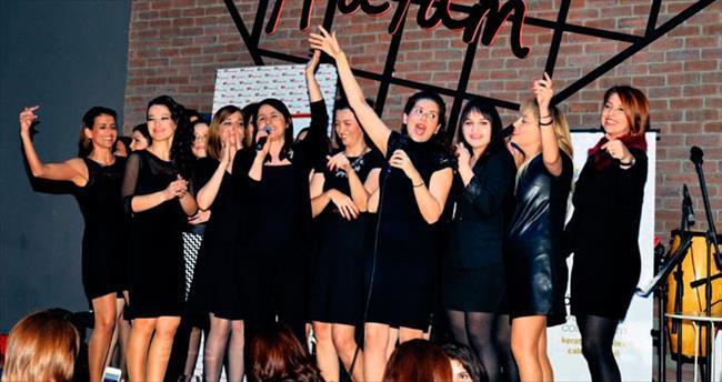 İşkadınlarının karaoke gecesi