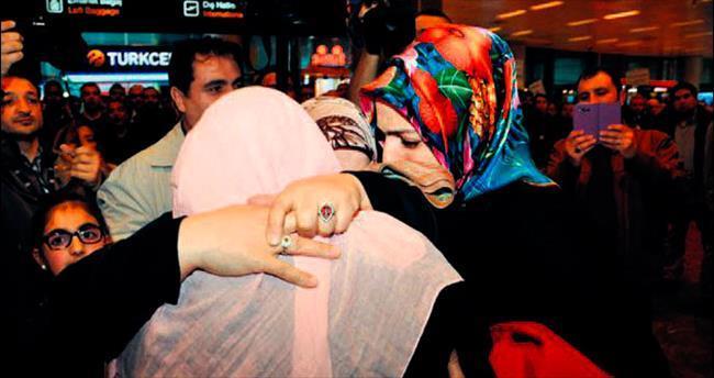 Yemen'den tahliye edilen Türkler yurda getirildi