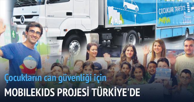 Mercedes'in TIR'ı 20 bin çocuğa sınıf olacak