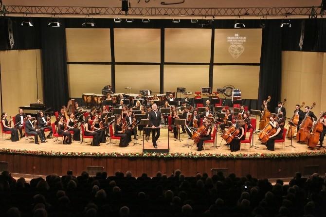 Senfoni Orkestrası Ankaralıları Büyüledi