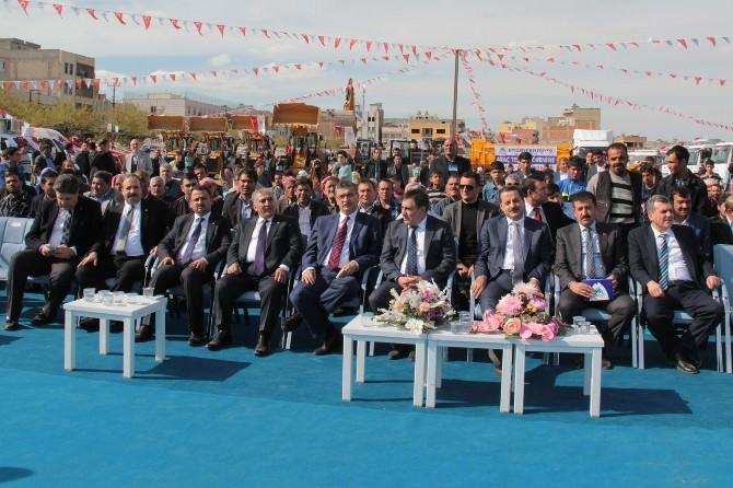 Eyyübiye Belediyesi'nin Yeni Araçları Hizmete Sunuldu