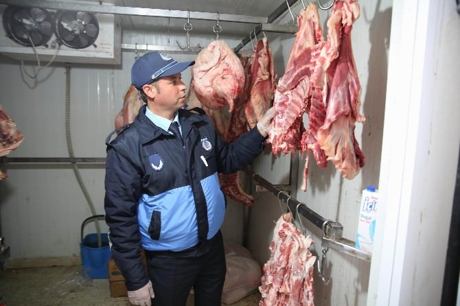 Haliliye Belediyesi Zabıta Ekipleri Kasapları Denetledi