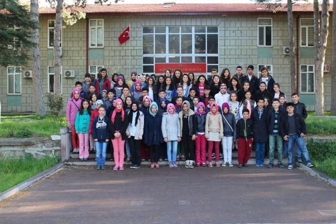 Sarıcakayalı Öğrenciler İlk Kez Üniversite Kütüphanesini Ziyaret Etti