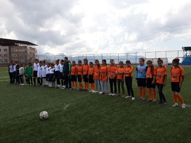 Koç Ortaokulu Kız Futbol Takımı İl Birincisi Oldu