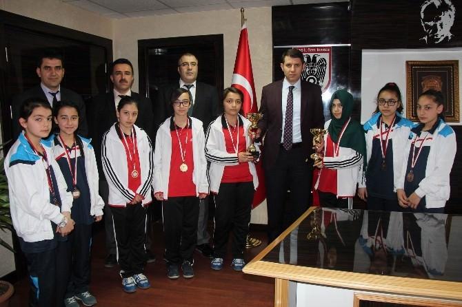 Sivas İl Özel İdaresi Masa Tenisi Takımından, Ayhan'a Ziyaret
