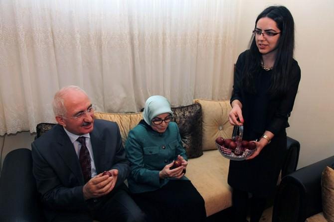 Sivas Valisi Barut'tan 'Paskalya Bayramı' Ziyareyi