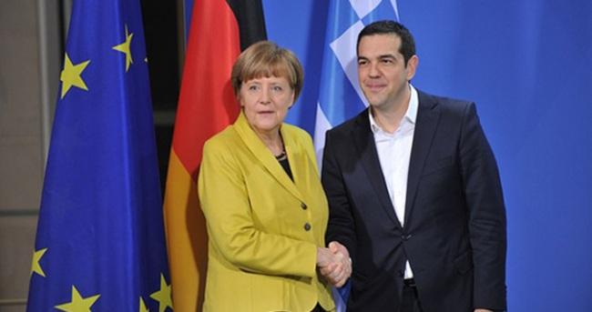 Merkel'den 279 milyar euro istiyor!