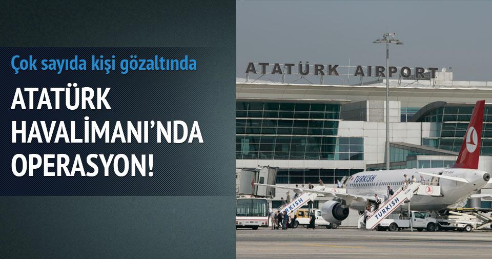 Havalimanında kaçak operasyonu: 17 gözaltı