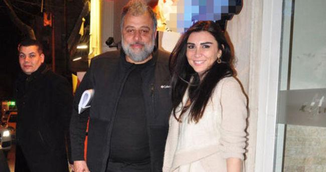 Hamdi Alkan'ın eşi de işi de yanında