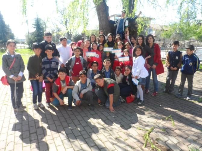 Kartepe Bilgi Evi Öğrencileri Kütüphaneler Haftası'nı Kutladı