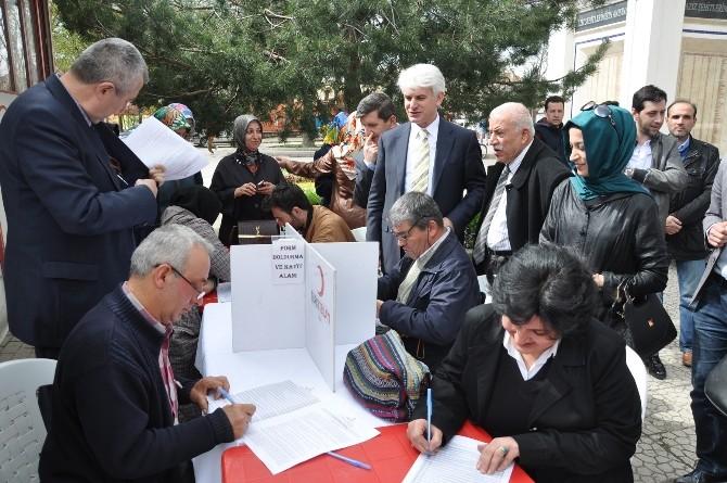 Milletvekili Şahin Ve AK Partililerden Kan Bağışı
