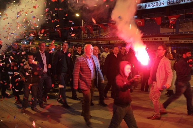 AK Parti'den Adayına Çoşkulu Karşılama