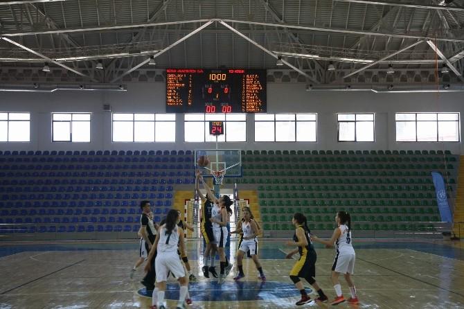 Rize'de Basketbol Yıldız Kızlar Anadolu Şampiyonası Başladı