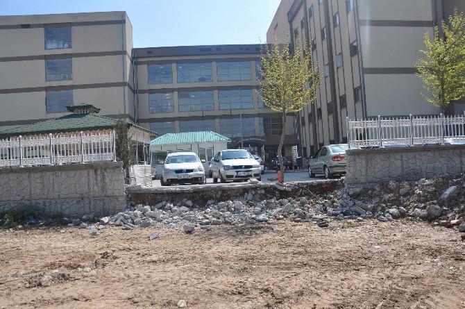 Kahta Devlet Hastanesi Bahçesine 2 Yeni Kapı Yapılıyor