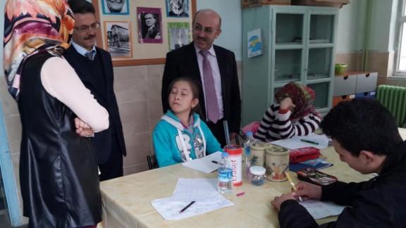Müdür Cebeci, Özel Eğitim Alt Sınıfını Ziyaret Etti