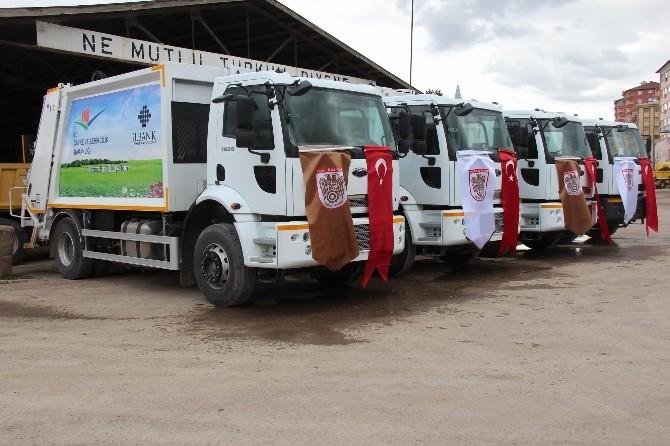 Sivas İl Özel İdaresi 4 Adet Çöp Toplama Aracı Aldı