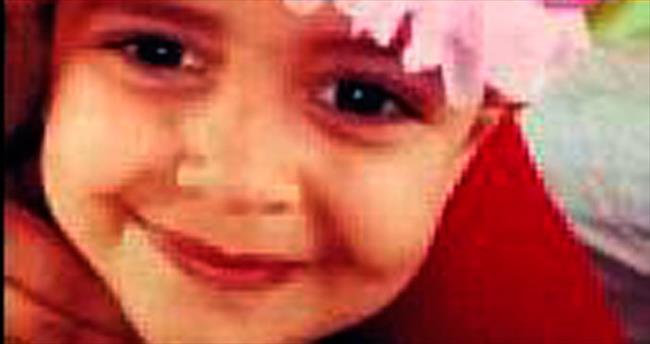 Perde ipine dolanan çocuk kurtarılamadı