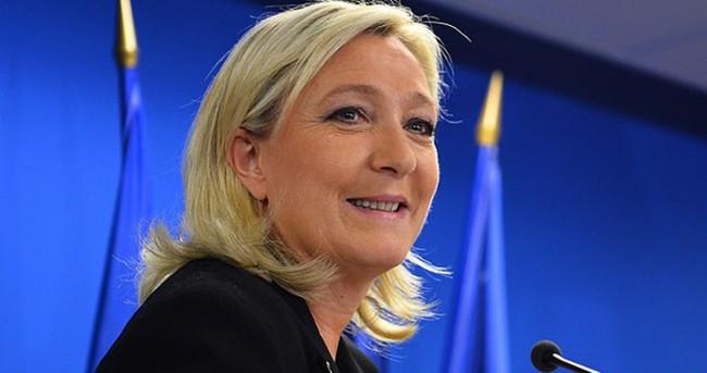 Le Pen ailesinde siyasi kriz